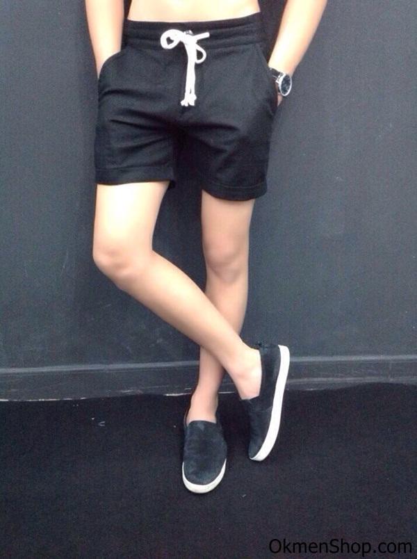 Quần short màu đen