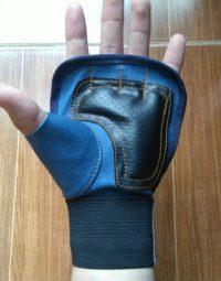 Găng tay tập gym màu xanh biển