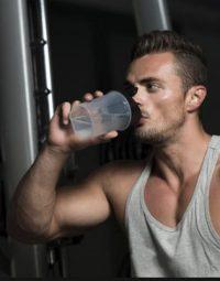 Uống đủ nước khi tập gym