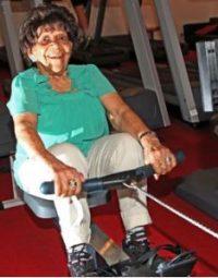 Cụ bà 100 tuổi vẫn tập GYM đều đặn