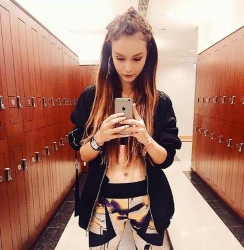 Mlee là một trong những cô nàng cực kỳ gắn bó với phong cách mặc đồ tập gym ra phố.